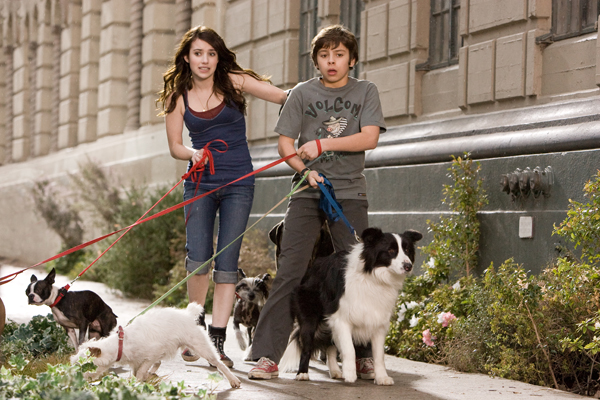 com: Hotel for Dogs (Widescreen Edition): Emma Roberts, Jake T. Austin