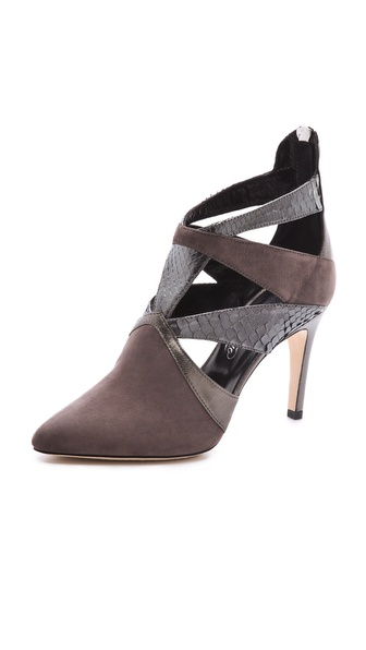 Alejandro Ingelmo Pyramid Geometric Pumps