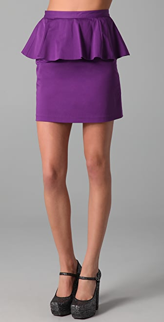 Peplum Skirt. When you need a skirt that screams style and sophistication, a peplum skirt is the way to go. There are many varieties of these skirts today, so you are able to find something that not only fits your budget, but also your style.