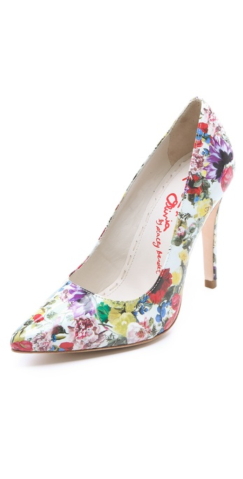 alice + olivia Devon Pumps