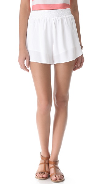 BB Dakota Anissa Shorts :  travel getaway style white