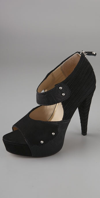 BE & D Rizzo Suede Platform Sandals
