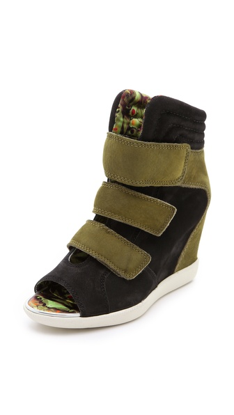 Boutique 9 Nerine Open Toe Sneakers