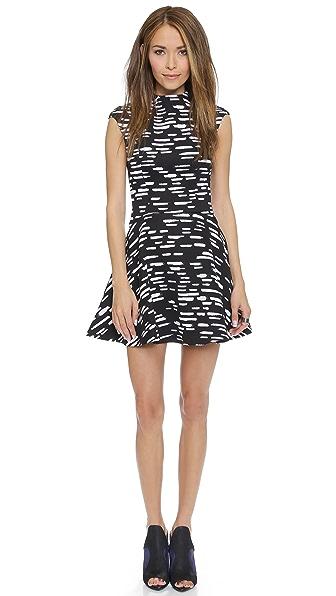 Платье Daydreaming Cameo. Цвет: черный tic tac