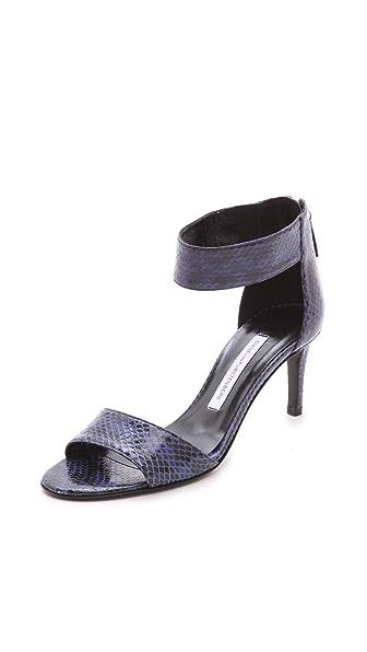 Diane von Furstenberg Kinder Single Band Sandals