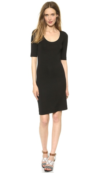 Kupi Diane von Furstenberg haljinu online i raspordaja za kupiti This simple DVF dress is cut from soft jersey for comfortable, all day wear. Scoop neckline. Fitted short sleeves. Fabric: Soft jersey. 93% rayon/7% spandex. Dry clean. Imported, Korea. Measurements Length: 36in / 91.5cm, from shoulder Measurements from size S. Available sizes: L,M,P,S