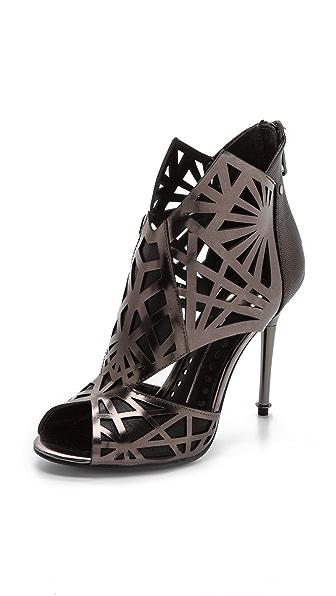 Kupi Dolce Vita cipele online i raspordaja za kupiti Dolce Vita Hadrian Metallic Cutout Sandals Pewter cipele