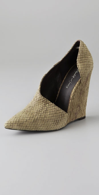 Elizabeth and James Send Dip Side Wedges