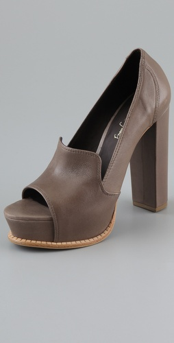 Elizabeth and James Mae Platform Pumps