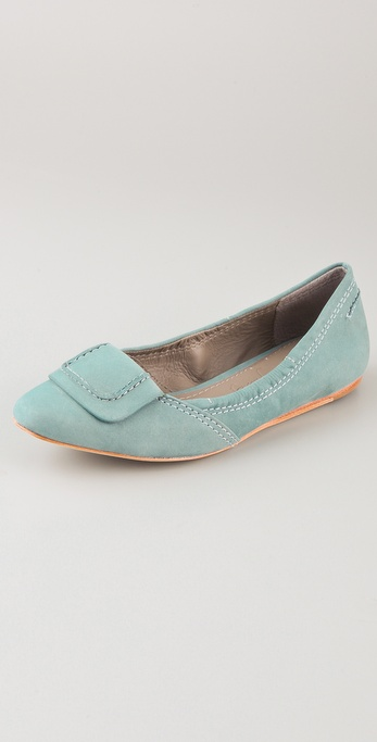 Elizabeth and James Kimi Hidden Wedge Flats