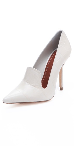 Elizabeth and James Stela Pumps