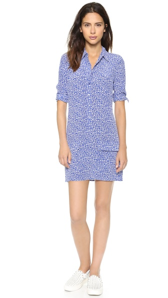 Kupi Equipment haljinu online i raspordaja za kupiti The shirtdress gets a ladylike update in floral silk. Flap pockets detail the front, and buttons close the half placket. Fold over collar. Buttoned cuffs and long sleeves. Unlined. Fabric: Silk crepe. 100% silk. Dry clean. Imported, China. Measurements Length: 33in / 84cm, from shoulder Measurements from size S. Available sizes: L,M,S,XS