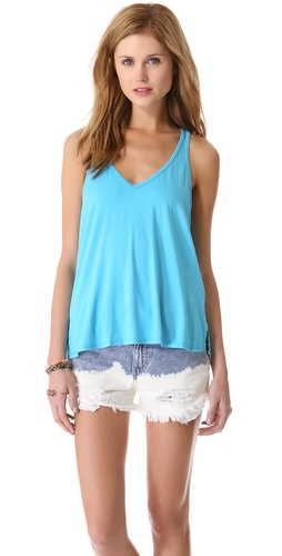 Kupi Feel The Piece V Neck Tank i Feel The Piece haljine online u Apparel, Womens, Tops, Tee,  prodavnici online