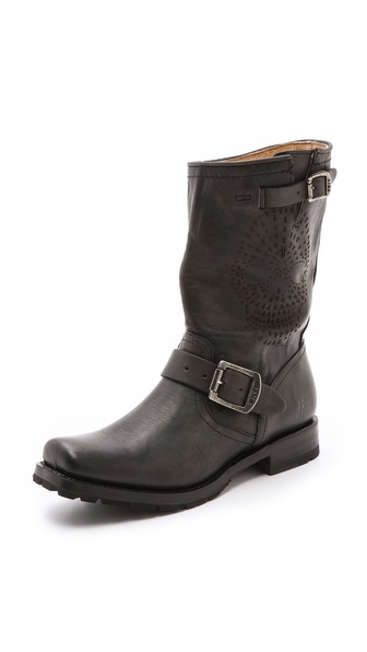 Frye Heath Skull Engineer Boots