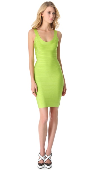 Kupi Herve Leger haljinu online i raspordaja za kupiti A formfitting, banded Herve Leger dress in the label's signature body con silhouette. A hidden zip closes the back. Unlined. Fabric: Ribbed mid weight jersey. 90% rayon/9% nylon/1% spandex. Dry clean. Imported, China. MEASUREMENTS Length: 35in / 89cm, from shoulder. Available sizes: L,M,S,XS