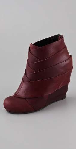 LD Tuttle The Haunt Wedge Booties