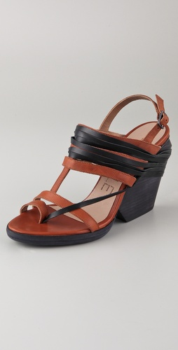 LD Tuttle The Toe Ring Sandals