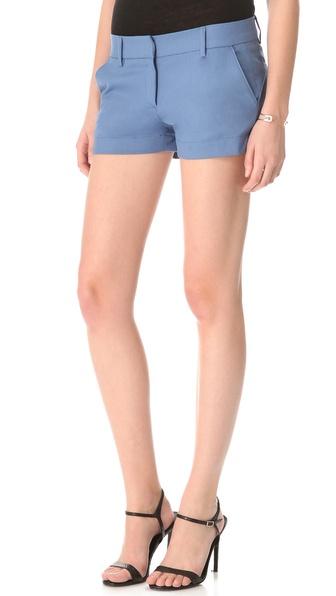 chic short shorts