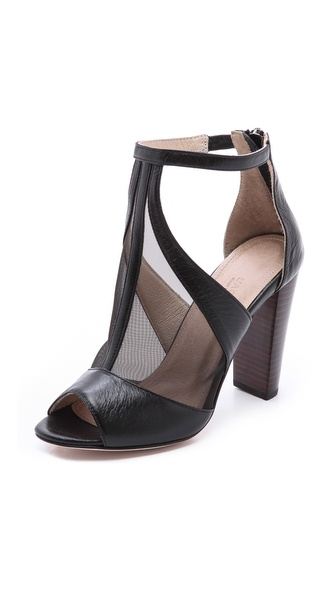 L'AGENCE City Mesh T Strap Pumps