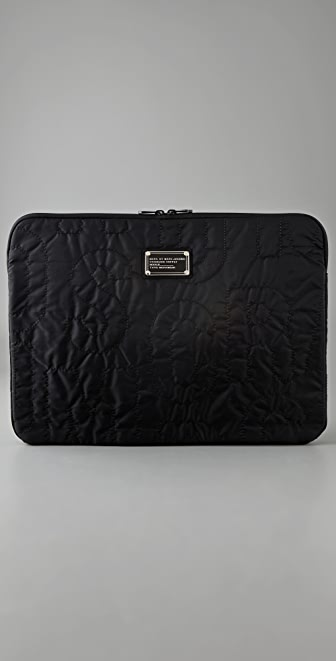 Marc by Marc Jacobs Pretty Nylon 17