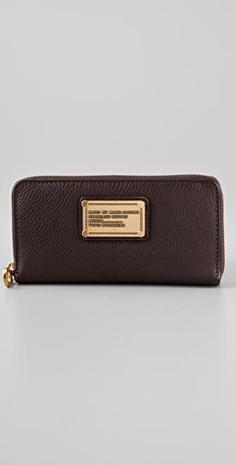 Marc by Marc Jacobs Classic Q Vertical Zip Wallet