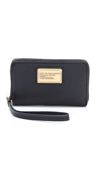 Marc by Marc Jacobs Classic Q Wingman Wristlet