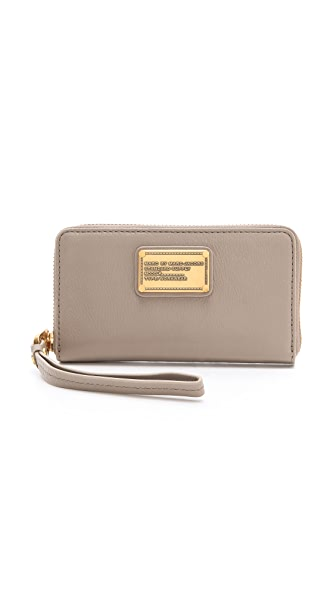 Marc by Marc Jacobs Classic Q Wingman Wallet