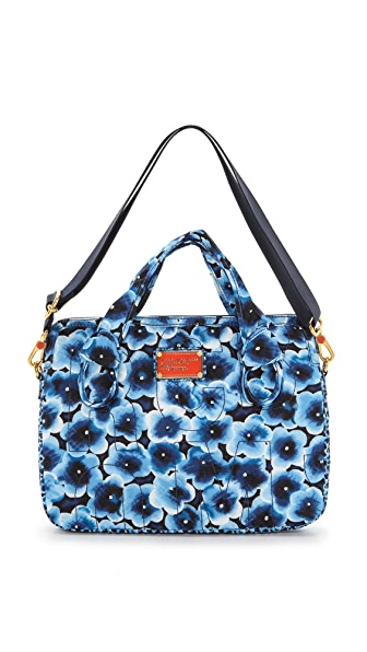 Marc by Marc Jacobs Pretty Nylon Aki Floral 13