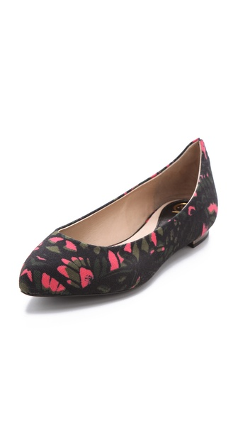 McQ - Alexander McQueen Printed Point Toe Flats