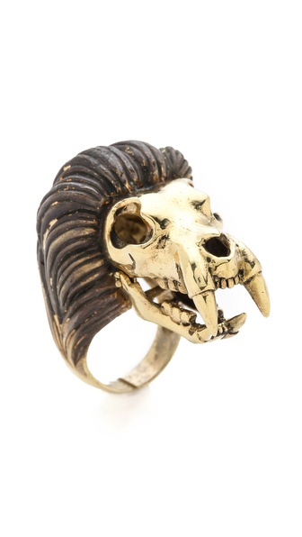 Monserat De Lucca Leo Ring