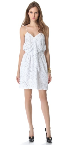 No. 21 Sleeveless Lace Dress