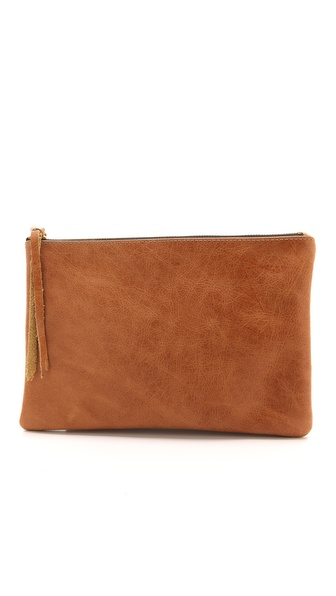 Kupi Oliveve tasnu online i raspordaja za kupiti A versatile Oliveve clutch, crafted in variegated leather for a rustic feel. Zip closure and lined interior. Weight: 6oz / 0.17kg. Made in the USA. MEASUREMENTS Height: 7in / 18cm Length: 10in / 25.5cm. Available sizes: One Size