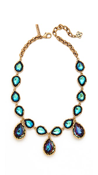1588663993 further The Second Time Round Liz And Dick Kept It Simple likewise Necklaces likewise Article4944754 together with Necklaces. on oscar design and jewelry reviews