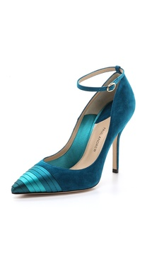 Paul Andrew Plisse Pumps