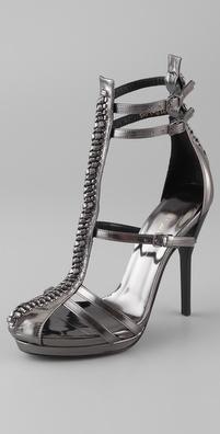 وراء الكعوب العاليةالكعب العالي لكي تكوني جذابةمن أجمل أحذية الكعب