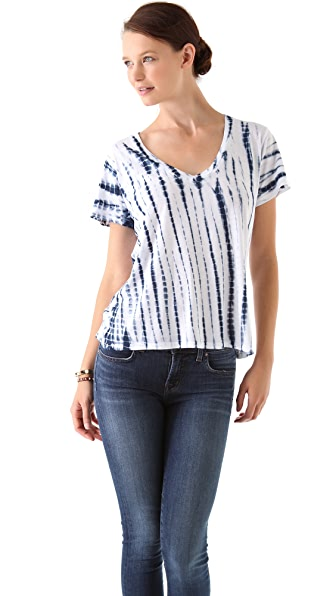 SOLOW Alligator Placement Tie Dye V Neck Tee