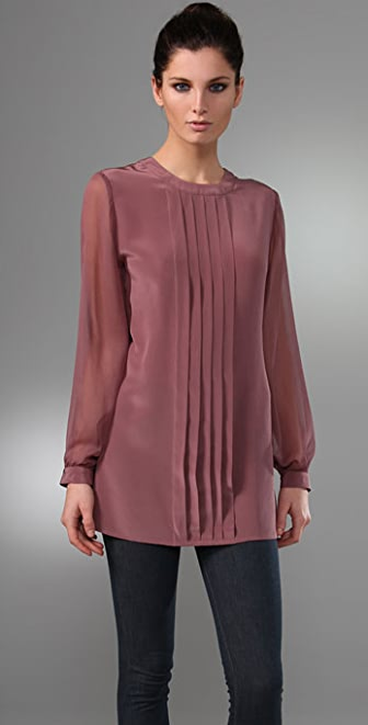Thayer V Back Long Sleeve Tunic