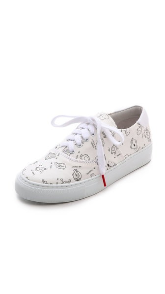 Kupi Twins for Peace cipele online i raspordaja za kupiti Black and white line drawings of Mr. Men & Little Miss characters add a graphic touch to casual canvas Twins for Peace sneakers. Lace up closure. Leather lining. Rubber sole. Made in Portugal. This item cannot be gift boxed. Available sizes: 41