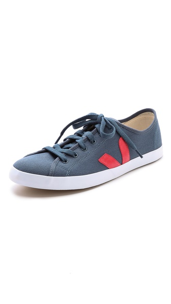 Veja Taua Canvas Sneakers