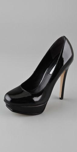 Vera Wang Zoey Platform Pumps