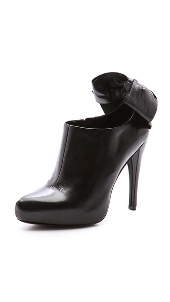 Vera Wang Jude Ankle Booties
