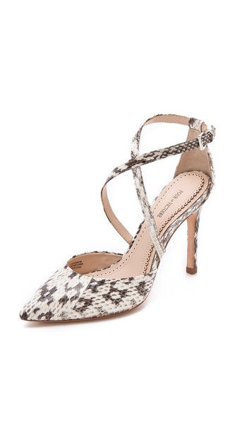 Pour La Victoire Charlemagne Pumps