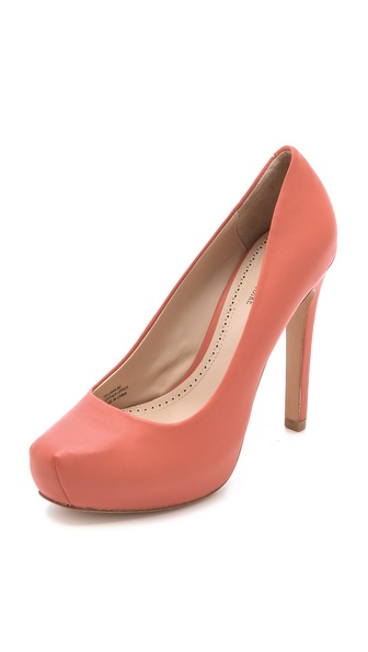 Pour La Victoire Gilliana Platform Pumps
