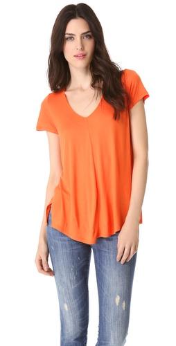 Kupi Vince V Neck Tee i Vince haljine online u Apparel, Womens, Tops, Tee,  prodavnici online