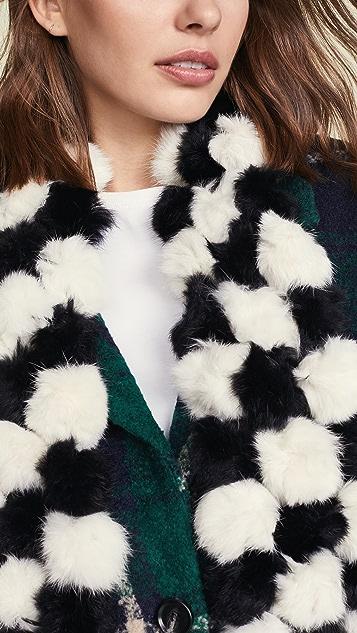 Adrienne Landau 皮毛绒球围巾