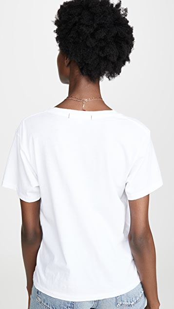 AMO V 领 T 恤