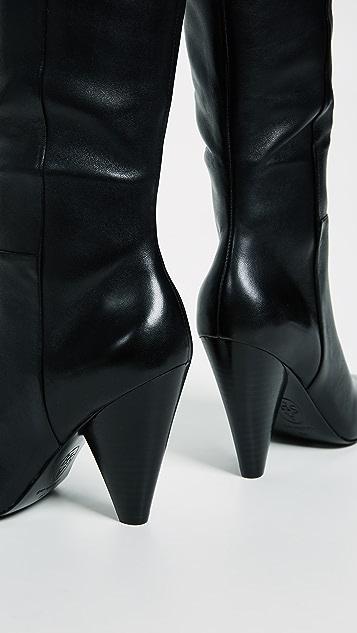 Ash Dalls 靴子