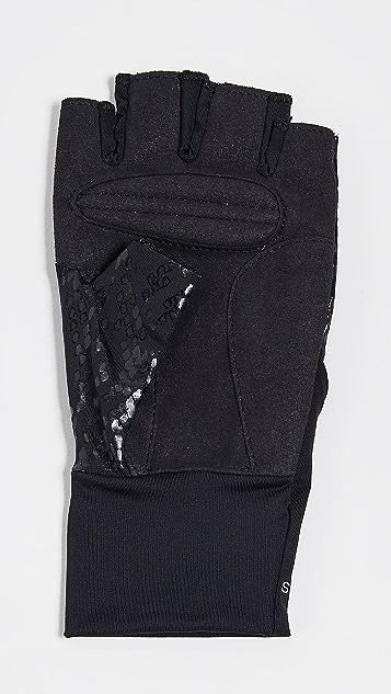 adidas by Stella McCartney 训练手套