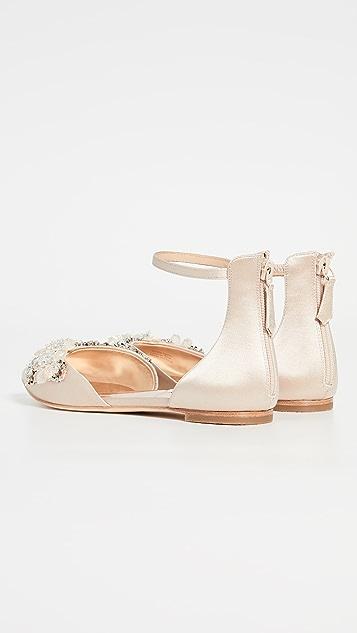 Badgley Mischka Abby 脚踝绑带平底鞋