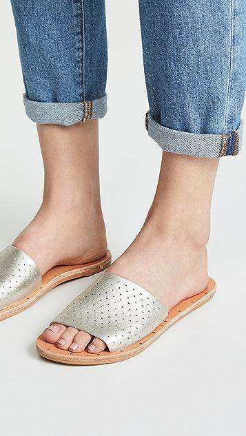 beek Mockingbird 多孔便鞋